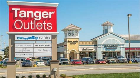 Tanger Factory Outlet Centers takes full ownership of