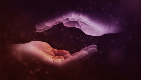 5 Basic Energy Healing Techniques Using Your Hands