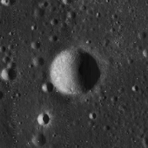 Collins (crater) - Wikipedia