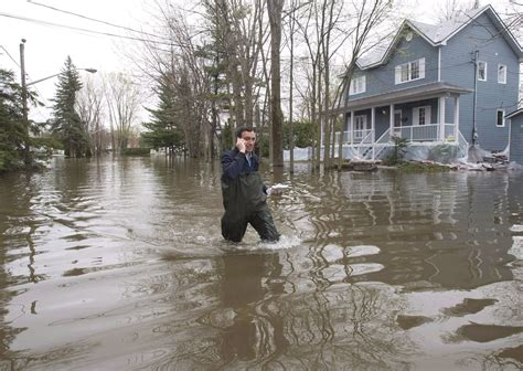 Quebec issues 'imminent' flood warning to several