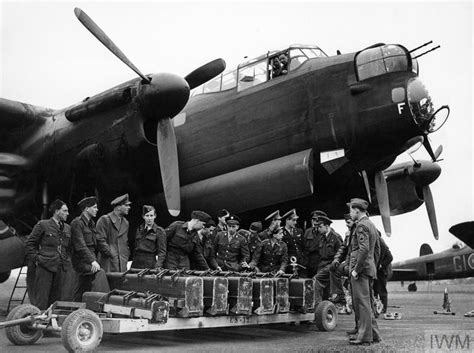 ROYAL AIR FORCE 1939-1945: BOMBER COMMAND | Imperial War