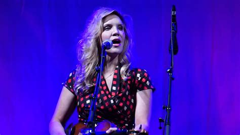 Alison Krauss & Union Station, with Jerry Douglas - Ghost
