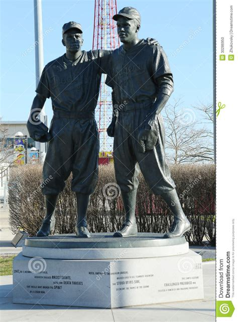 Jackie Robinson And Pee Wee Reese Statue In Brooklyn In