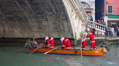 Venice Holiday Events: Markets, Glass Christmas and more