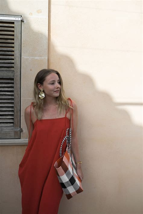 Outfit: Red Dress in Majorca - The Limits of Control