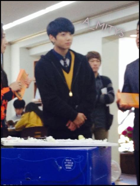 [Picture/Fansnap] Jungkook at school [141022]