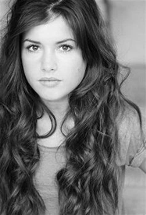 Aimee Kelly Biography, Pictures, News, Wiki